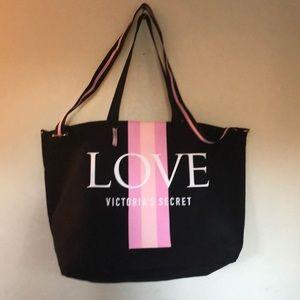 NWT Victoria's Secret Love 💕 ZIP tote
